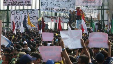 Photo of Wallahi! Tidak Ada Solusi Terbaik Bagi Indonesia Kecuali Islam