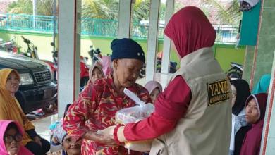 Photo of Yanmas dan Muslimat Ansharu Syariah Berbagi Sembako Kepada Kaum Dhuafa