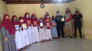 Photo of Momen Tahun Baru Hijriyah, Yanmas Ansharu Syariah Bali dan Forum Me-Dan Berbagi Kepada Para Santri