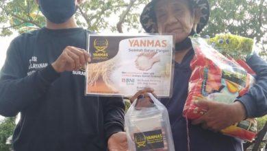 Photo of Yanmas Ansharu Syariah Sedekah Sembako Untuk Tukang Becak