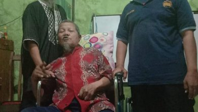 Photo of Bermanfaat Untuk Umat, Yanmas Ansharu Syariah Surabaya Santuni Warga Sakit