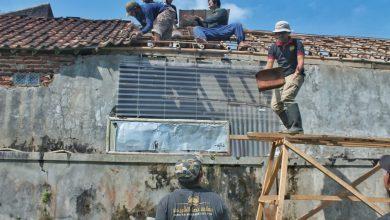 Photo of Yanmas Ansharu Syariah Tasikmalaya Jalankan Program Bedah Rumah Aktivis