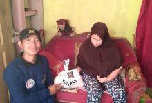 Photo of Yanmas Ansharu Syariah Garut Bagikan Beras Gratis Untuk Warga Kurang Mampu