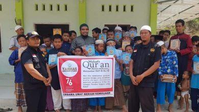 Photo of Yanmas Ansharu Syariah Nusra Salurkan Wakaf Al Qur'an di Pondok Pesantren
