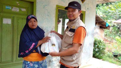 Photo of Yanmas Ansharu Syariah Tasikmalaya Bantu Warga Terdampak Bencana Banjir dan Longsor